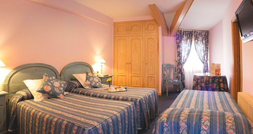 Habitación Doble + cama supletoria